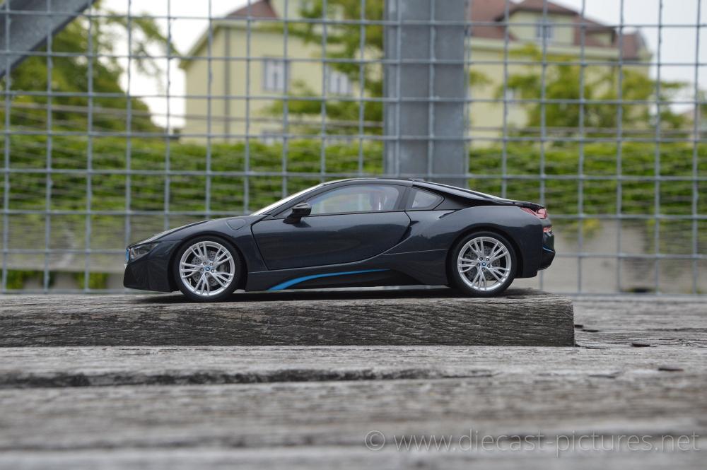 Bmw I8 Sophisto Grey Paragon Models 1 18