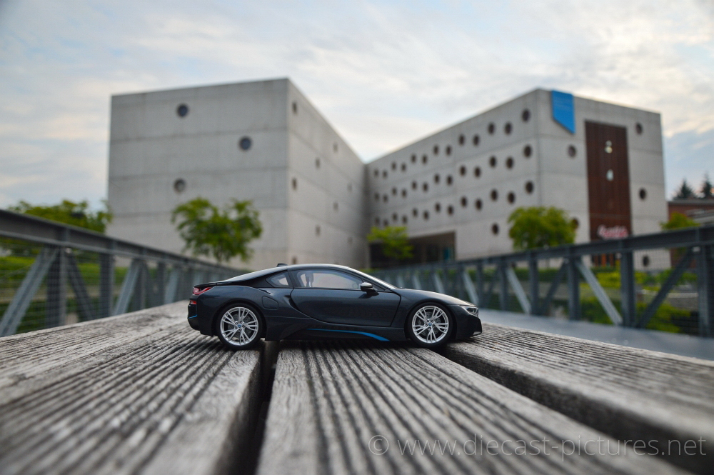 Bmw I8 Sophisto Grey Paragon Models 1 18